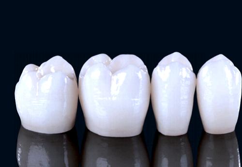 Răng sứ Zerconia
